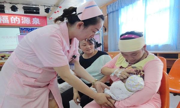 一对一的母乳喂养宣教 -0.jpg